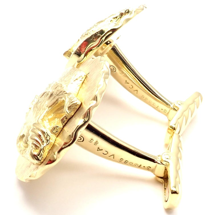 Van Cleef & Arpels Panther Panthere Yellow Gold Cufflinks For Sale 4