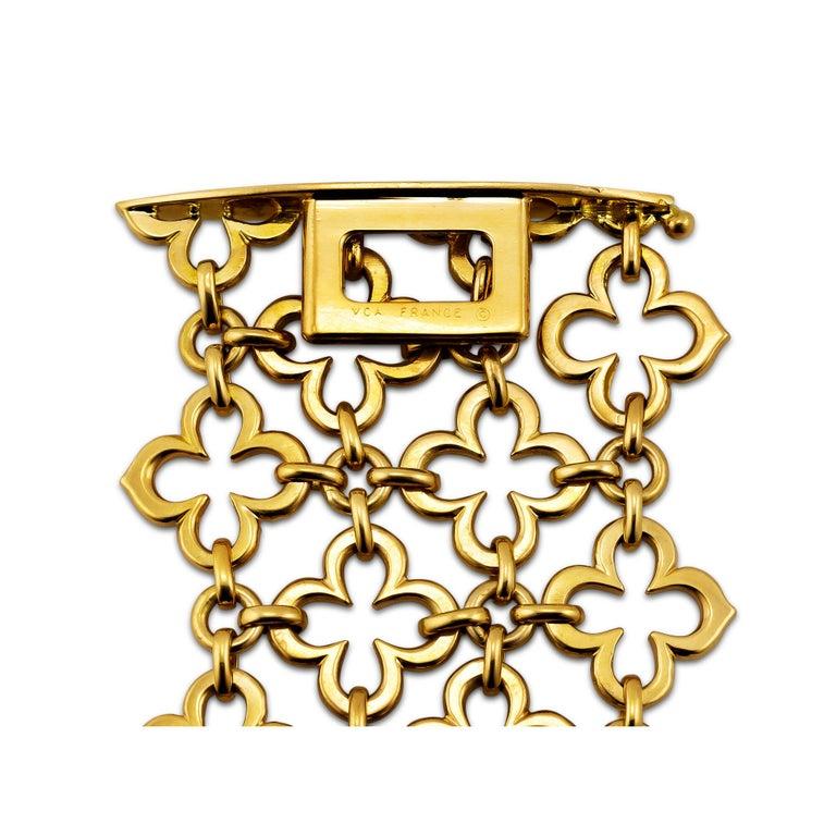 Contemporary Van Cleef & Arpels Paris Alhambra Vintage Gold Wide Mesh Bracelet For Sale