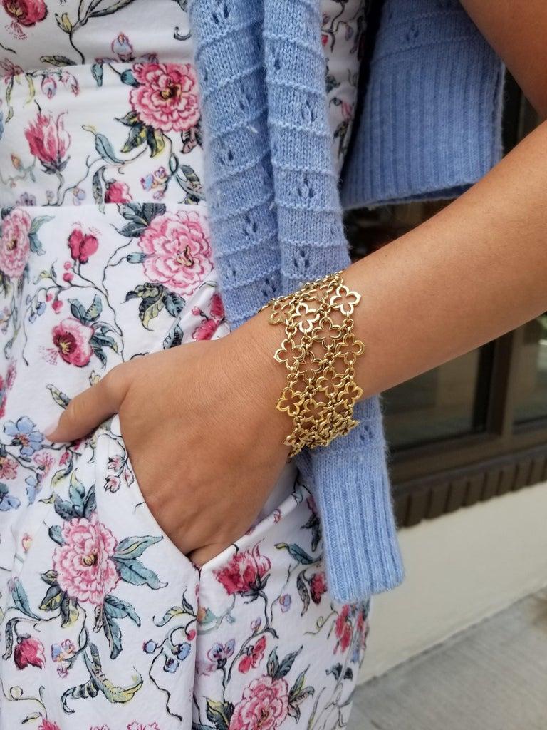 Women's Van Cleef & Arpels Paris Alhambra Vintage Gold Wide Mesh Bracelet For Sale