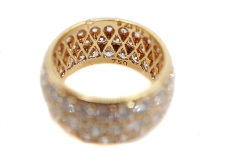 Women's or Men's Van Cleef & Arpels Paris Diamond Yellow Gold Eternity Band For Sale