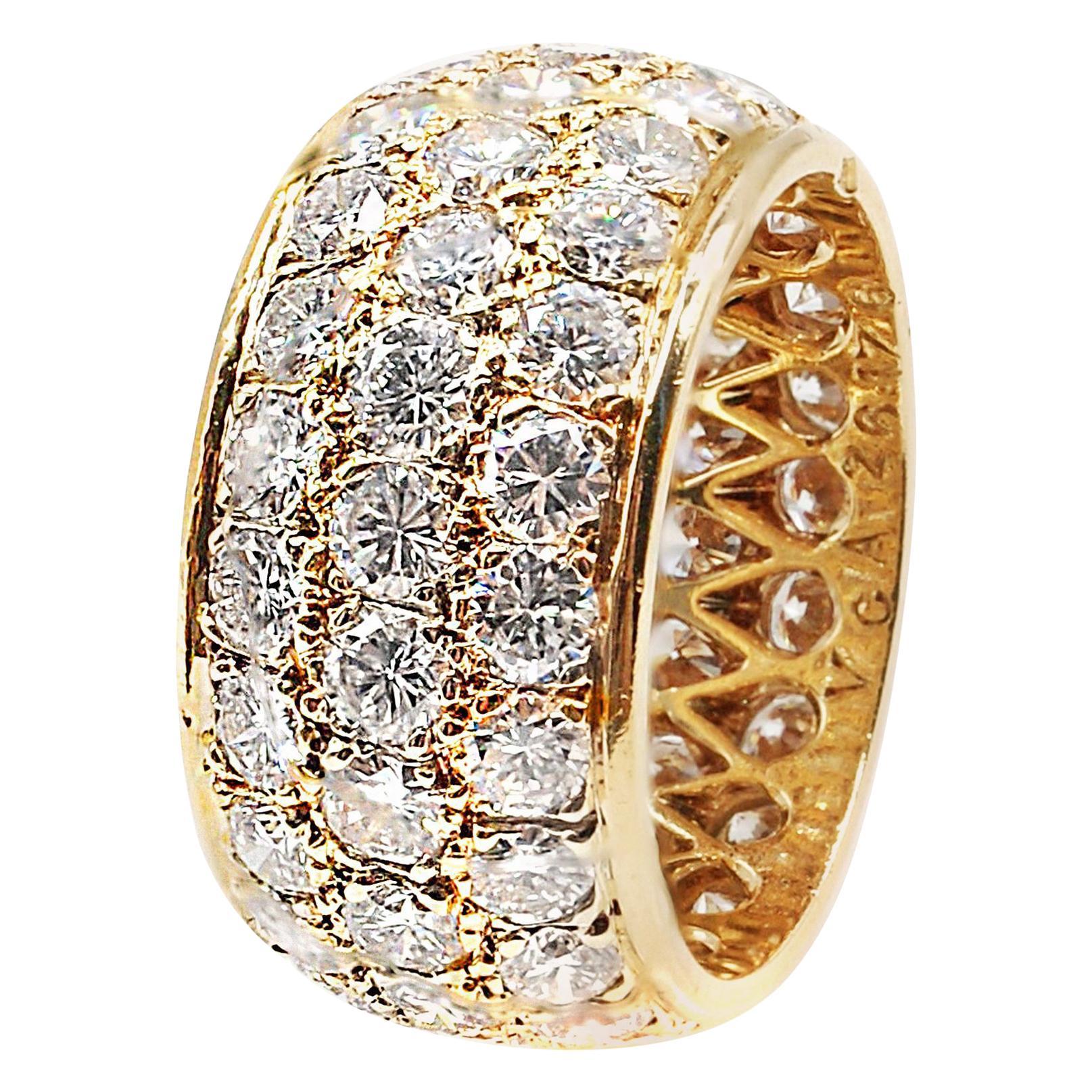 Van Cleef & Arpels Paris Diamond Yellow Gold Eternity Band