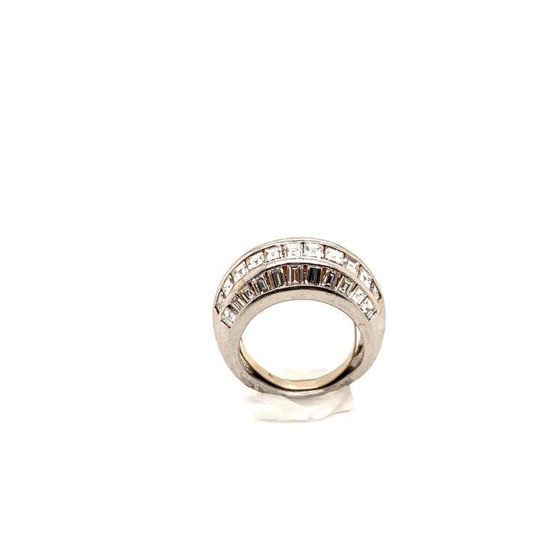 Women's or Men's Van Cleef & Arpels Paris Midcentury Diamond Platinum Bombe Ring For Sale