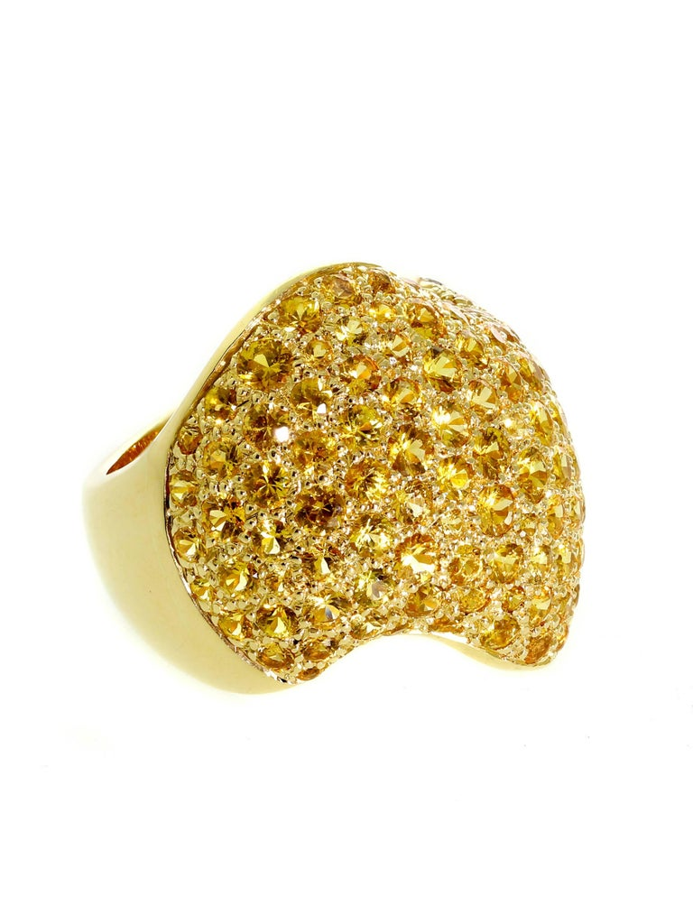 Van Cleef & Arpels Pave Golden Sapphire Gold Ring In New Condition For Sale In Feasterville, PA