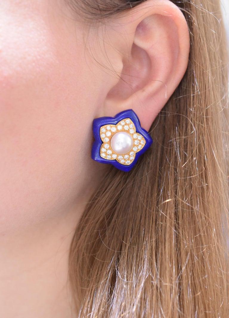 Van Cleef & Arpels Pearl Lapis Lazuli Diamond Star Earrings For Sale 1