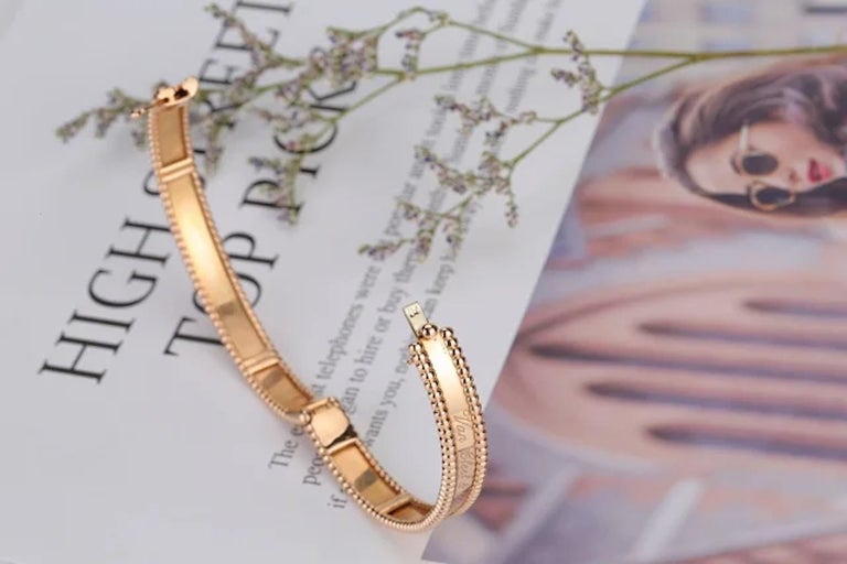 From the whimsical Perlee collection, the Perlee bracelet is a dedication to elegance and modernity. This creative collection features polished beads with silhouettes that are cheerful and feminine. This particular bracelet with 18k pink gold and