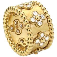 "Van Cleef & Arpels ""Perlée clover"" Diamond Ring"