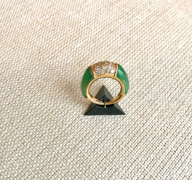 Van Cleef & Arpels Philippine Ring, 18 Carat Gold Diamonds and Chrysoprase In Good Condition For Sale In Paris, FR