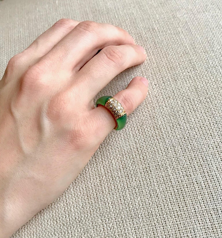 Van Cleef & Arpels Philippine Ring, 18 Carat Gold Diamonds and Chrysoprase For Sale 1