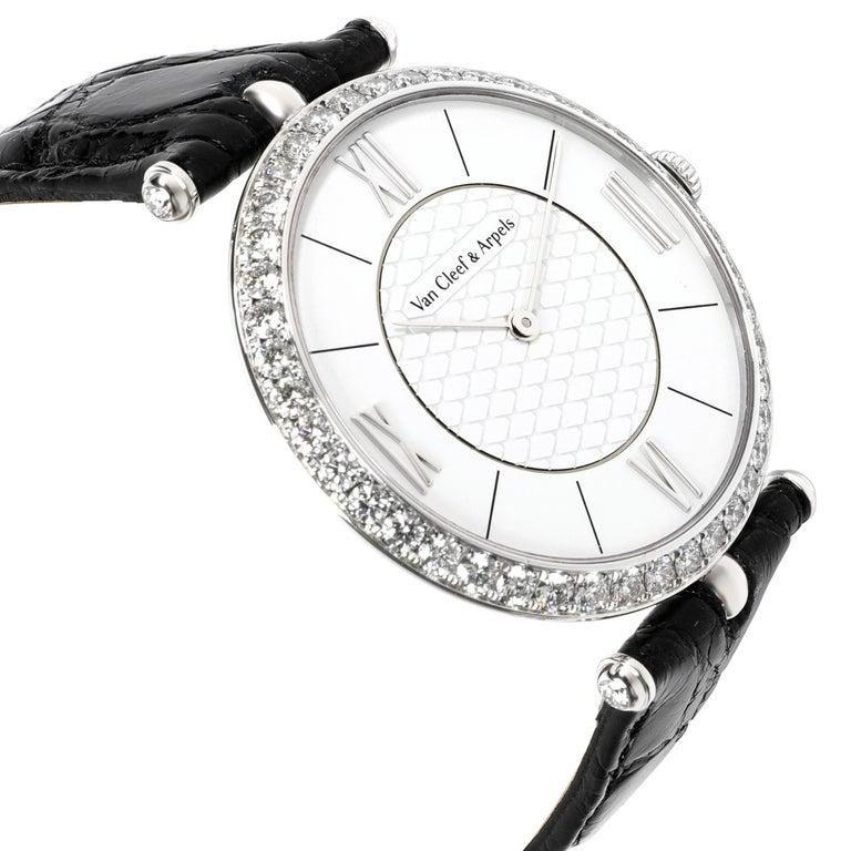 Women's or Men's Van Cleef & Arpels Pierre Arpels VCARO3GJ00 Unisex Watch in 18 Karat White Gold For Sale