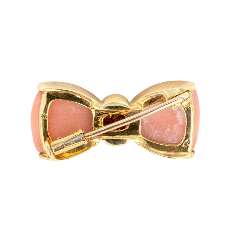 Contemporary Van Cleef & Arpels Pink Coral Diamond Yellow Gold Bow Brooch For Sale