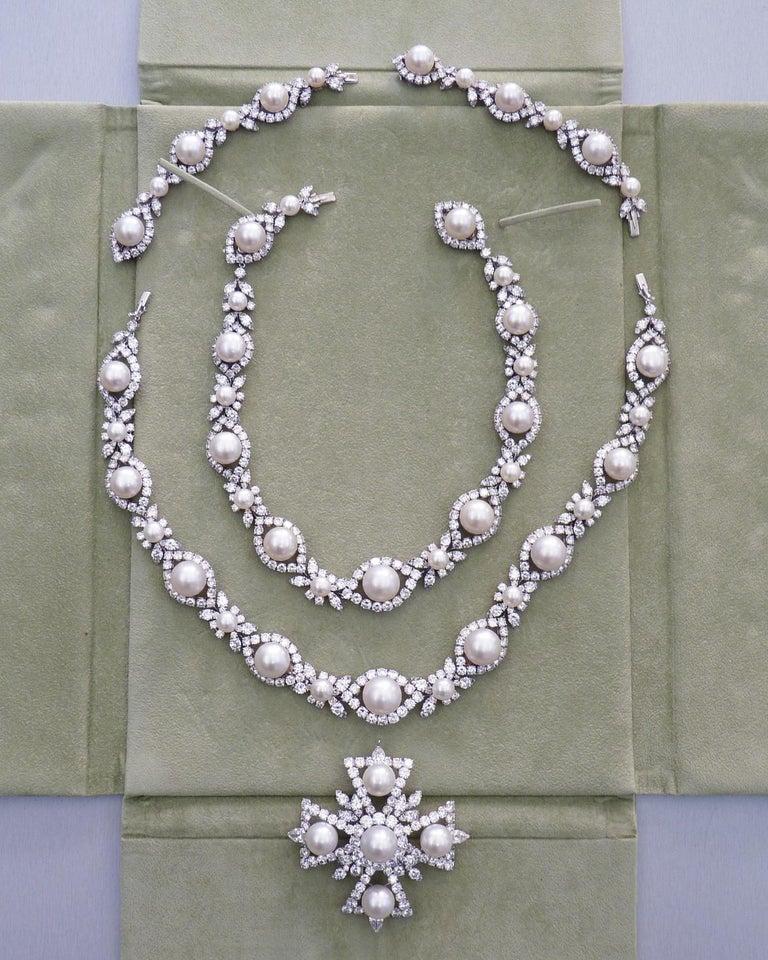 Women's Van Cleef & Arpels Diamond Pearl Cross Necklace in Platinum For Sale