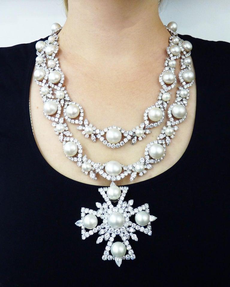 Van Cleef & Arpels Diamond Pearl Cross Necklace in Platinum For Sale 2