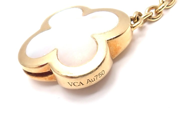 Van Cleef & Arpels Pure Mother of Pearl Alhambra Yellow Gold Necklace For Sale 1