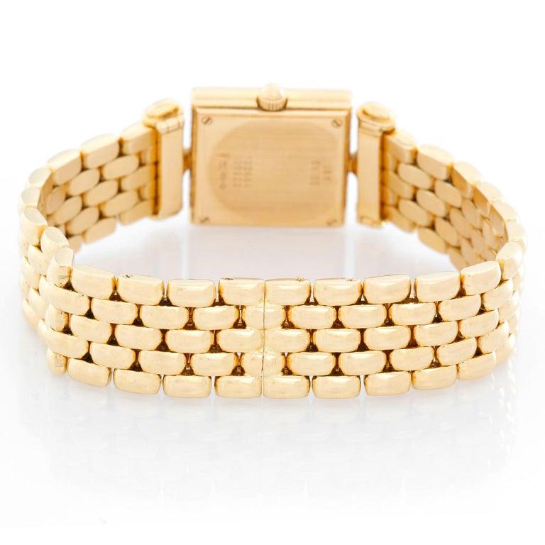 Van Cleef & Arpels Quartz Yellow Gold Watch Ref. 122664 In Excellent Condition For Sale In Dallas, TX