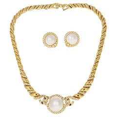 Van Cleef & Arpels Retro Mabe Pearl and Diamond Necklace and Earring Set