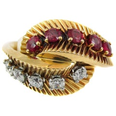 Van Cleef & Arpels Retro Ruby Diamond Gold Ring