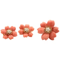 Van Cleef & Arpels Rose De Noël Coral Diamond Gold Earring Brooch Set