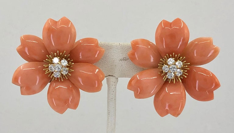Van Cleef & Arpels Rose de Noël Diamond Coral Yellow Gold Medium Earrings  In Good Condition For Sale In New York, NY