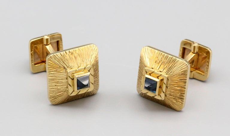 Sugarloaf Cabochon Van Cleef & Arpels Sapphire 18 Karat Gold Midcentury Cufflinks For Sale