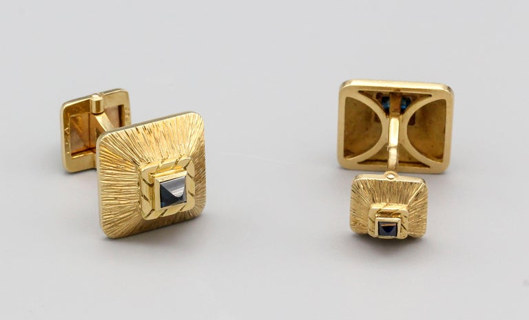 Van Cleef & Arpels Sapphire 18 Karat Gold Midcentury Cufflinks In Good Condition For Sale In New York, NY