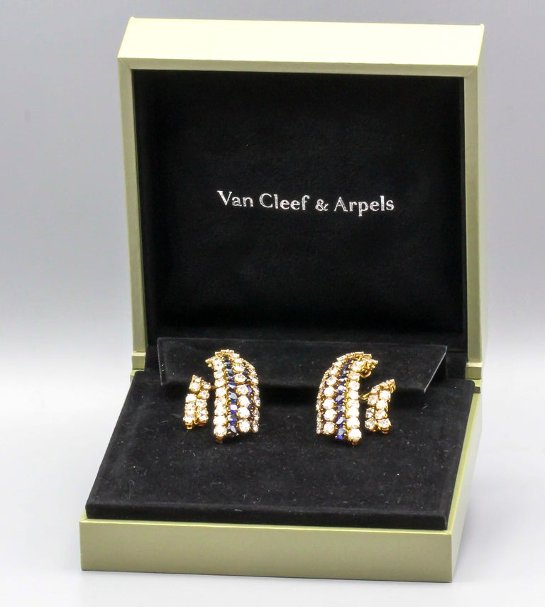 Van Cleef & Arpels Sapphire, Diamond and Gold Ear Pendant Earrings In Good Condition For Sale In New York, NY