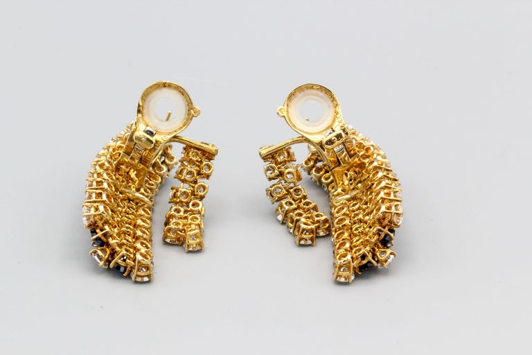 Van Cleef & Arpels Sapphire, Diamond and Gold Ear Pendant Earrings For Sale 1