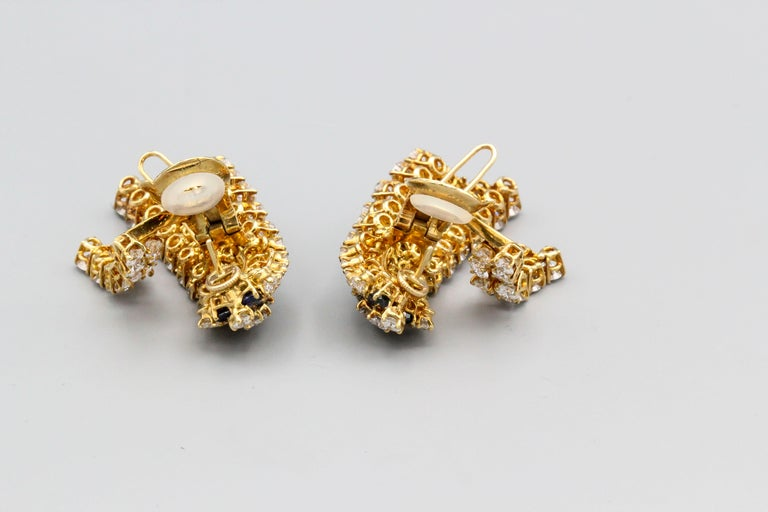 Van Cleef & Arpels Sapphire, Diamond and Gold Ear Pendant Earrings For Sale 2