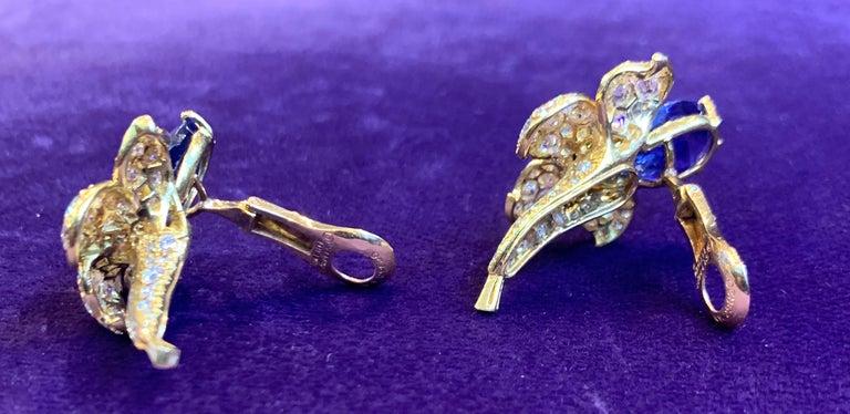 Women's Van Cleef & Arpels Sapphire & Diamond Flower Earrings For Sale