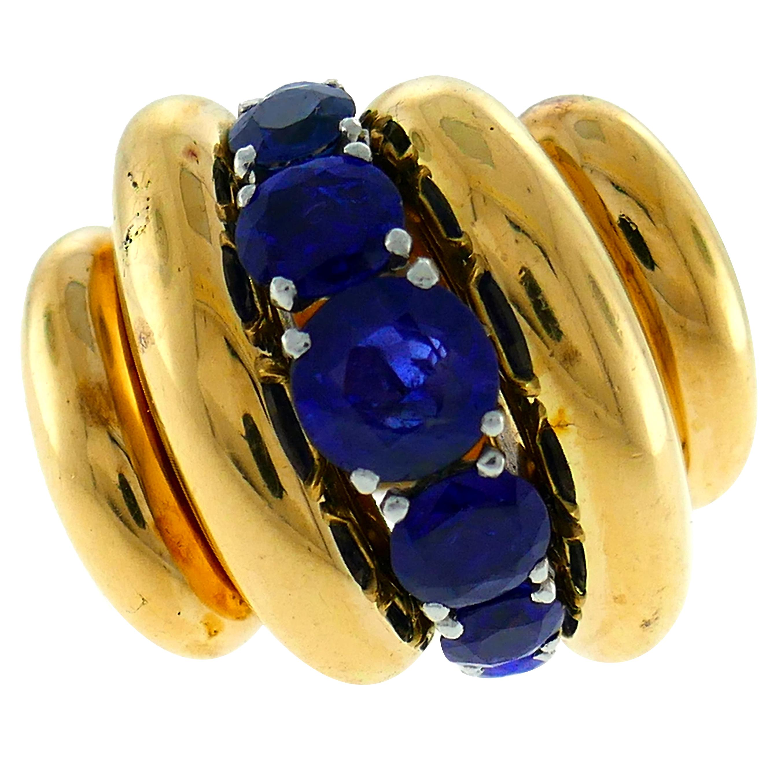 Van Cleef & Arpels Sapphire Yellow Gold Bombe Ring, 1970s