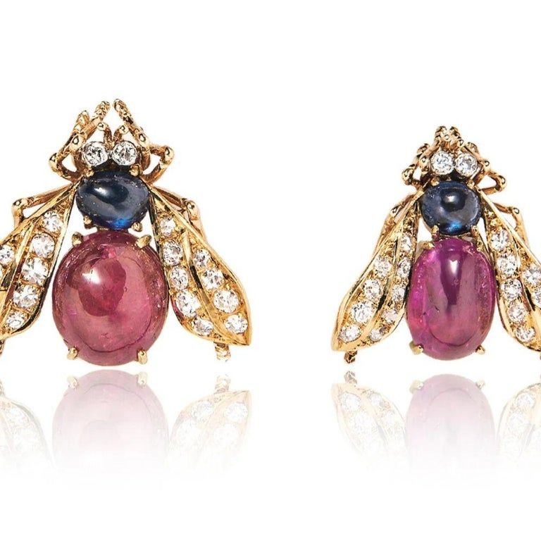 Women's or Men's Van Cleef & Arpels Set of Three Cabochon Ruby, Sapphire and Diamond Bee Brooches For Sale