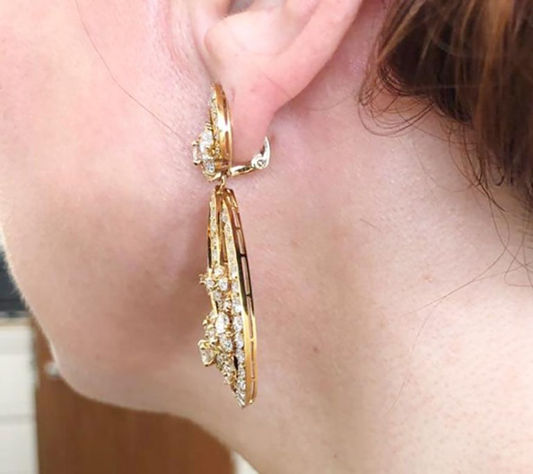 Women's Van Cleef & Arpels Diamond Yellow Gold Snowflake Chandelier Earrings For Sale