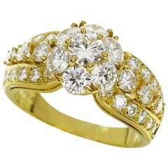 Van Cleef & Arpels Snowflake Diamond 18 Karat Yellow Gold Ring