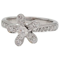 Van Cleef & Arpels 'Socrate' White Gold and Diamond Single Flower Ring