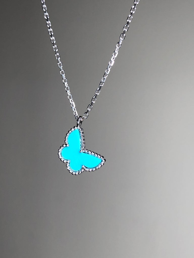 This butterfly-shaped pendant has been a favorite among fans and is made of gorgeous turquoise and hangs delicately from an 18k white gold chain. This gorgeous necklace is perfect for everyday wear and will always be a timeless and wearable work of
