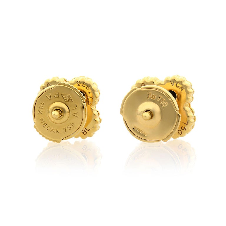 Modern Van Cleef & Arpels Sweet Alhambra 18K Yellow Gold Onyx Small Model Stud Earrings For Sale