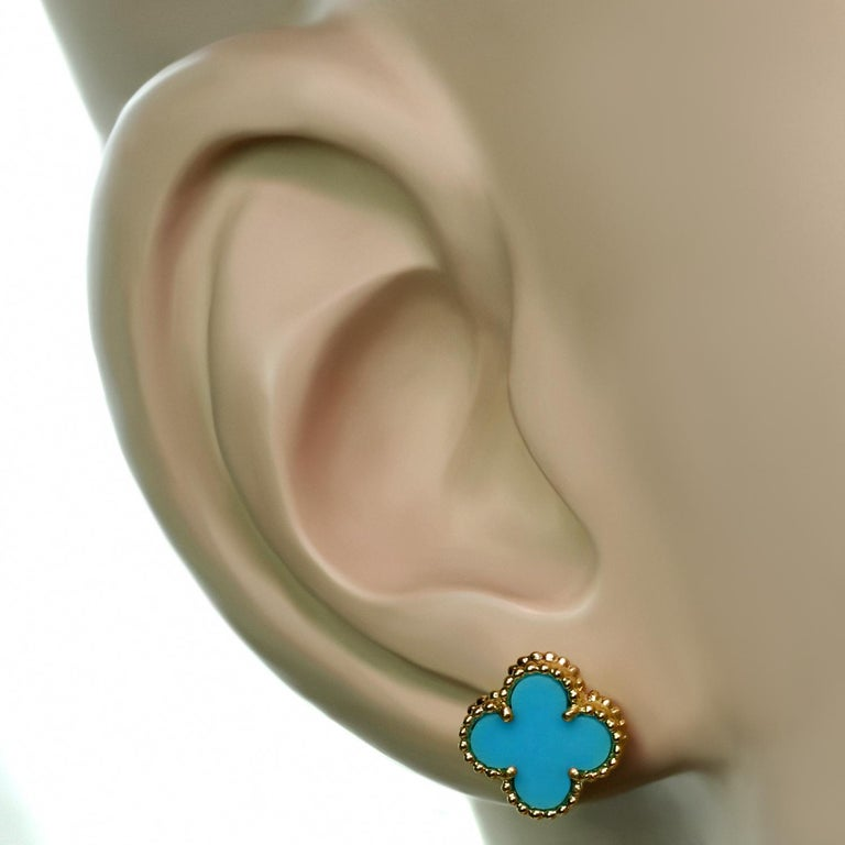Van Cleef & Arpels Sweet Alhambra Turquoise Yellow Gold Stud Earrings In Excellent Condition For Sale In New York, NY