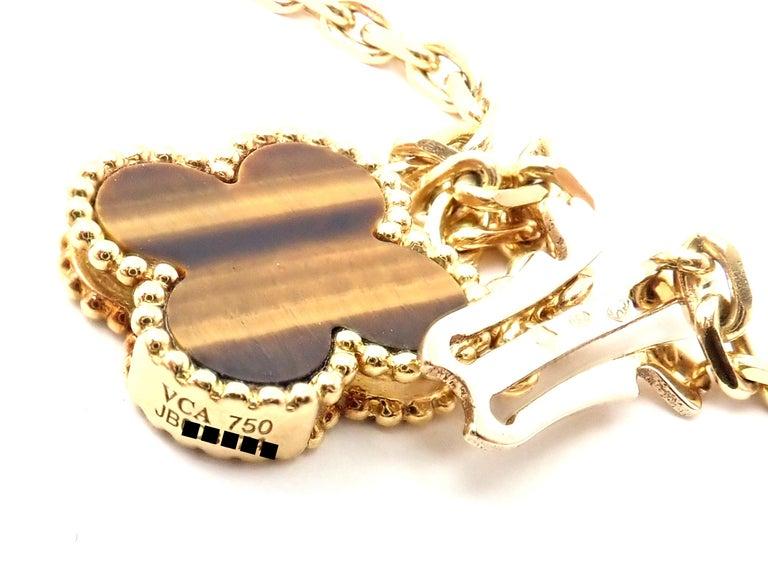 Van Cleef & Arpels Tiger Eye Carnelian 16 Motif Magic Alhambra Gold Necklace For Sale 1