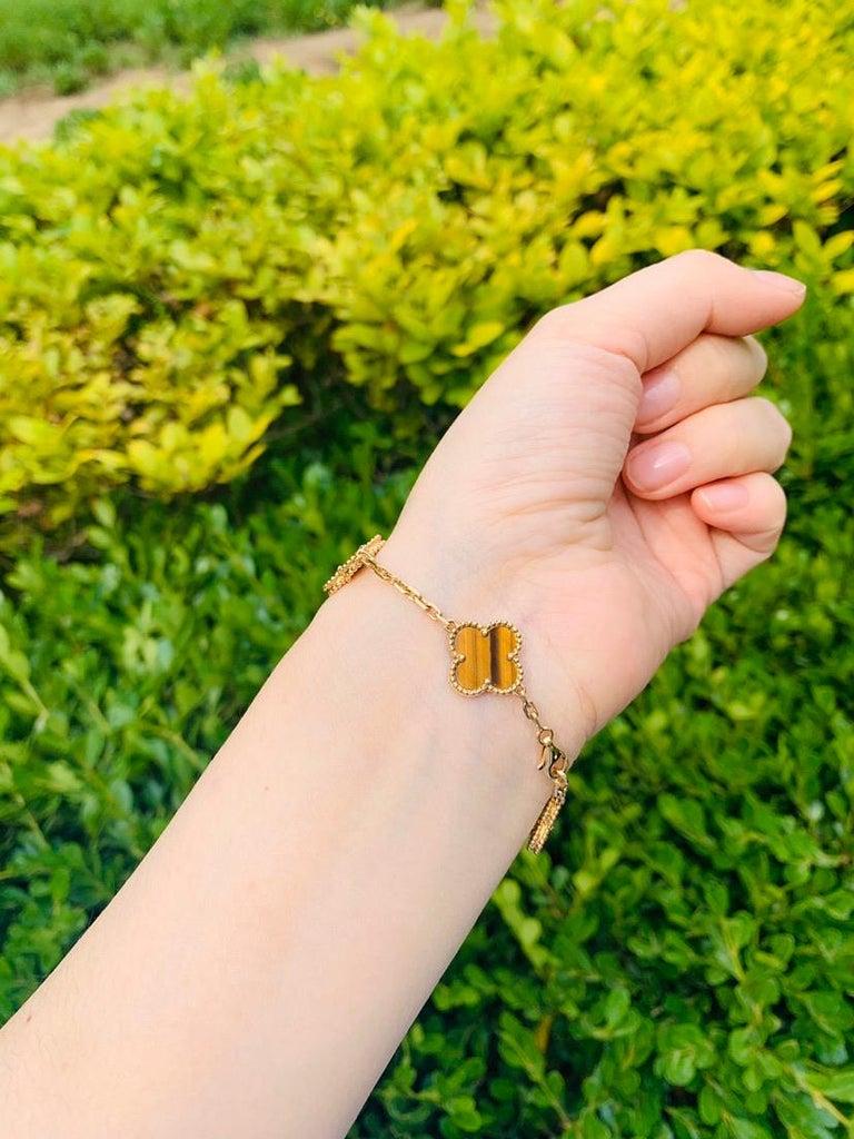 Uncut Van Cleef & Arpels Tiger's Eye Vintage Alhambra 5 Motif Gold Bracelet