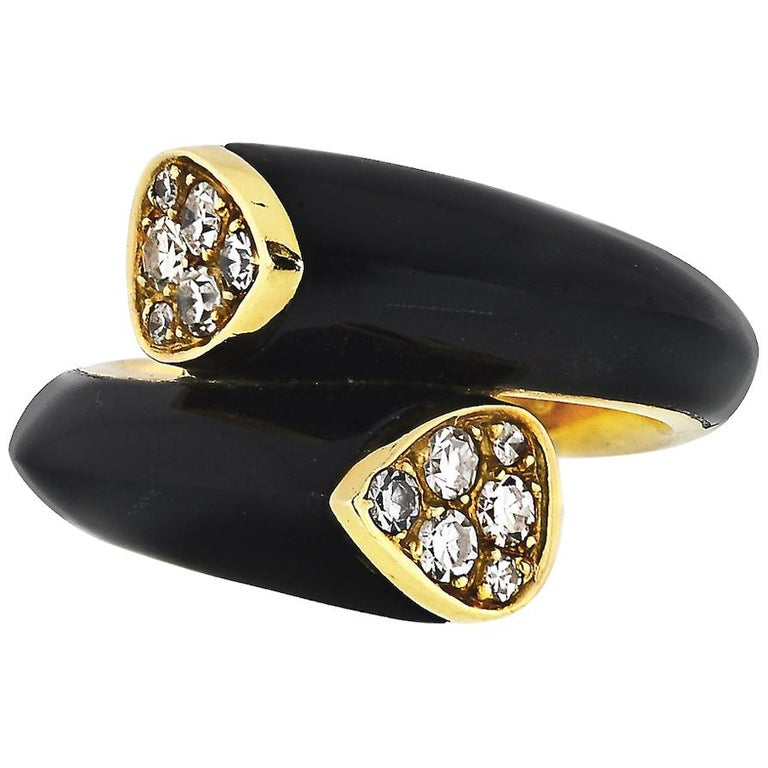 Van Cleef & Arpels Toi et Moi 18 Karat Yellow Gold Diamond, Black Onyx Ring For Sale