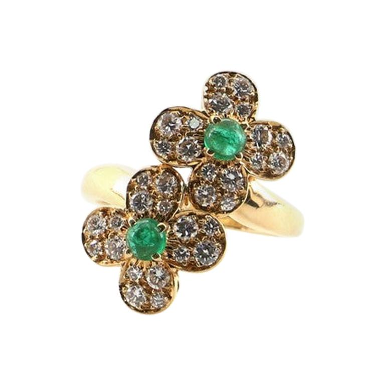 Van Cleef & Arpels Trefle Ring 18K Yellow Gold and Diamonds with Emerald