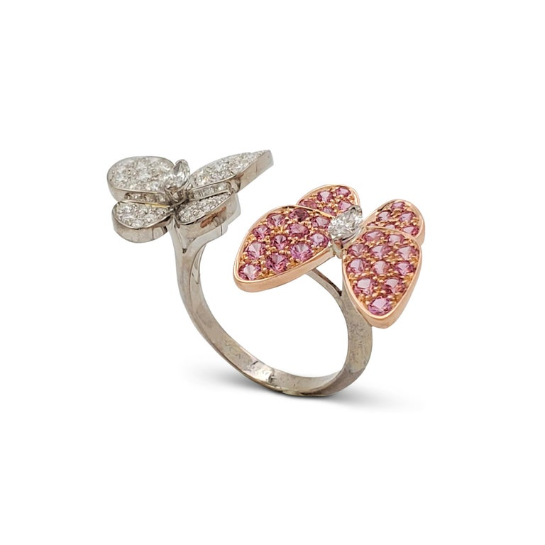 Van Cleef & Arpels 'Two Butterfly' Between-the-Finger Ring In Excellent Condition For Sale In New York, NY