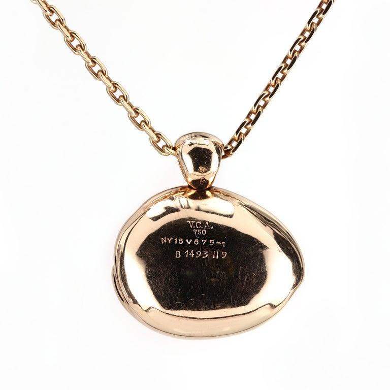 Modern Van Cleef & Arpels VCA Rabbit Pendant and Necklace 18 Karat Gold For Sale