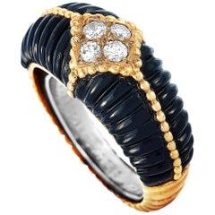 Van Cleef & Arpels Vintage 18 Karat Yellow Gold Diamond and Onyx Ring