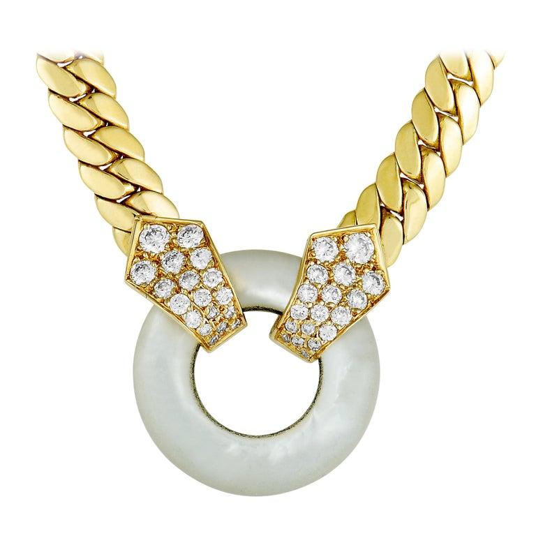 Van Cleef & Arpels Vintage 18 Karat Gold Diamond and Round Mother of Pearl For Sale
