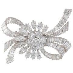 Van Cleef & Arpels Vintage 1950s Diamond Platinum Brooch 14 Carat