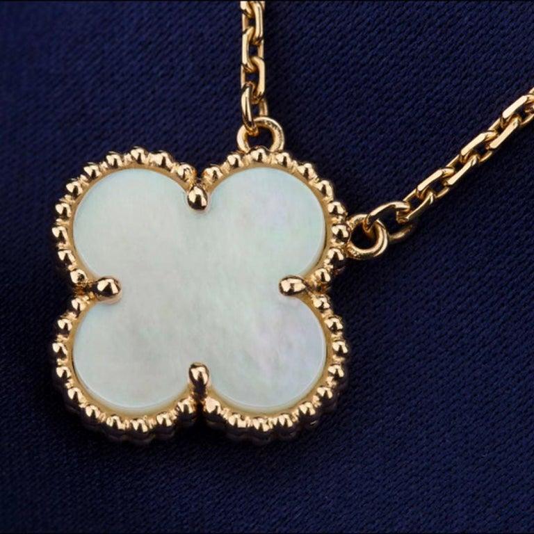 Uncut Van Cleef & Arpels Vintage Alhambra 18k Mother of Pearl Pendant Necklace