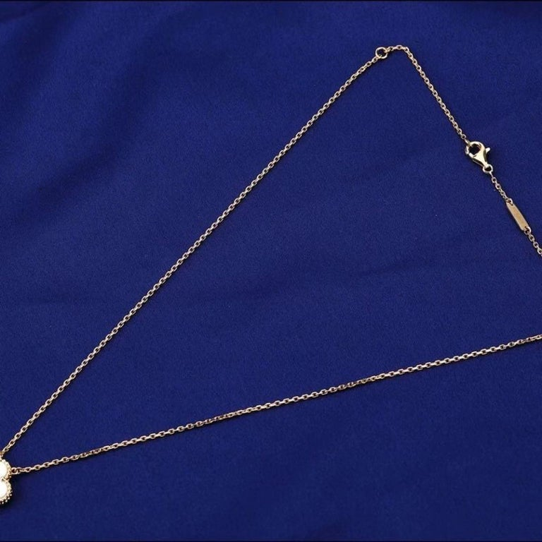 Women's or Men's Van Cleef & Arpels Vintage Alhambra 18k Mother of Pearl Pendant Necklace