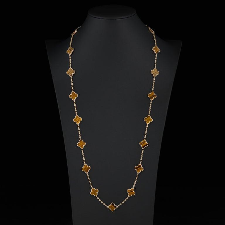 Mixed Cut Van Cleef & Arpels Vintage Alhambra 20 Motif Tiger's Eye Necklace in 18K Gold For Sale