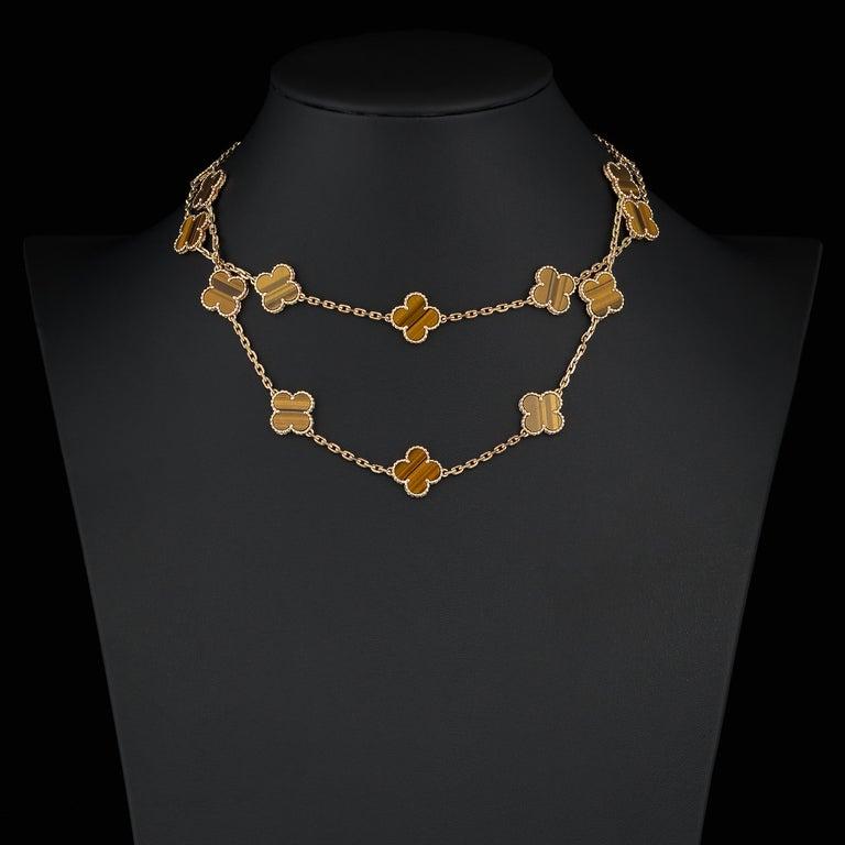 Van Cleef & Arpels Vintage Alhambra 20 Motif Tiger's Eye Necklace in 18K Gold In Excellent Condition For Sale In Dallas, TX