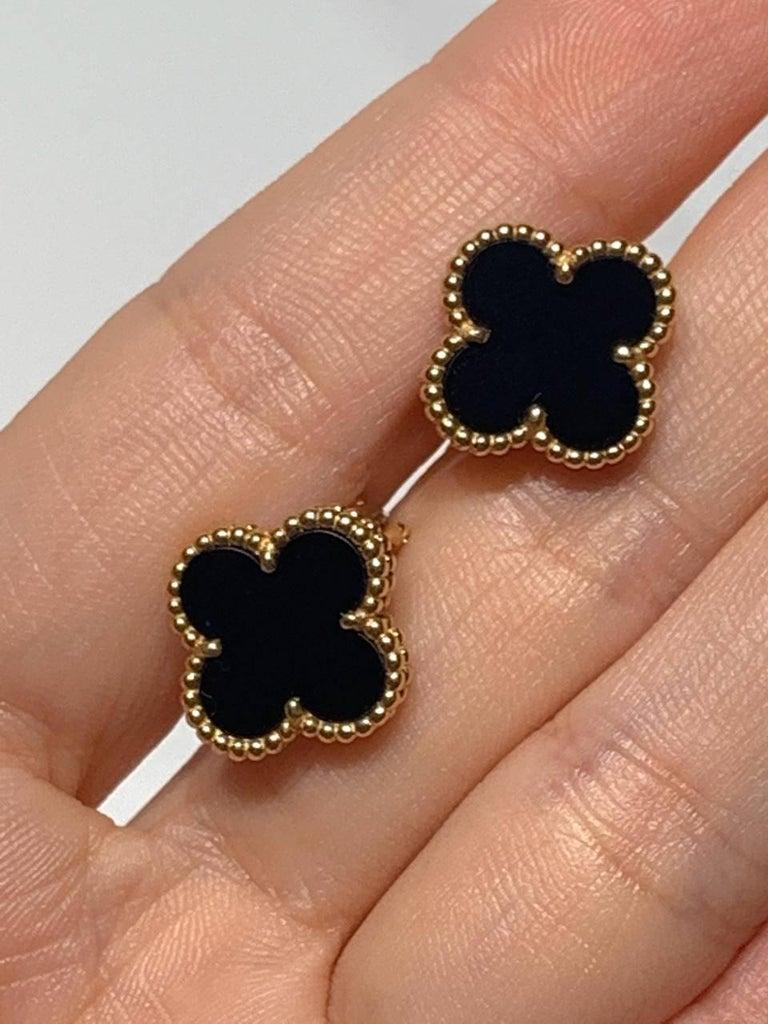 Uncut Van Cleef & Arpels Vintage Alhambra Black Onyx Yellow Gold Earrings For Sale